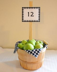 New Fruit Basket Centerpiece Wedding Ideas Apple Centerpieces, Apple Decorations, Wedding Centerpieces, Centerpiece Ideas, Centerpiece Flowers, Wedding Decorations, Very Small Wedding, Apple Baskets, Fruit Wedding