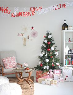 what a lovely Christmas room set up... just my style: casual and comfy