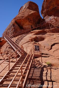 Exploring the Valley of Fire State Park - The World Is A Book