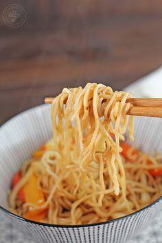 Cocinando entre Olivos: Wok de fideos chinos con calamares y verduras, receta paso a paso