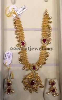 Jewellery Designs: 73 Grams Kundan Gold Set