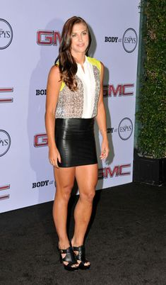 alex morgan - hottest female soccer players