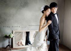Korea Pre-Wedding Photoshoot - WeddingRitz.com » Korea wedding photographer - Gray Scale studio.