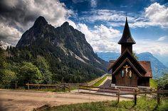 Eine Kapelle zwischen Mythen und Einsiedeln. (Alptal - Kanton Schwyz)