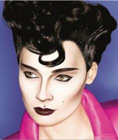 Graphic black lines - black lip  -- Very Nagel inspired