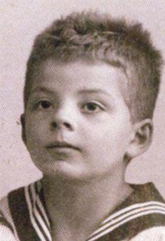 SAINT-EXUPÉRY, ANTOINE DE (1900–1944)