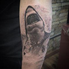 Tubarão!! #tcmsupply #tattoo #lacenano #lacenanotattoomachines #skinktattoosp #shark #tubarao