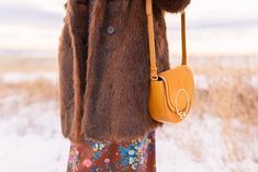 My first TREND GUIDE of Spring 2019 is a free-spirited, transitional take on faux fur, florals, western boots, flat-brimmed hats and Pantone colour trends. Spring Weather, Spring Summer, Brown Faux Fur Coat, Flat Brim Hat, Bohemian Look, Brown Floral, Midi Dresses, Spring Trends, Alberta Canada