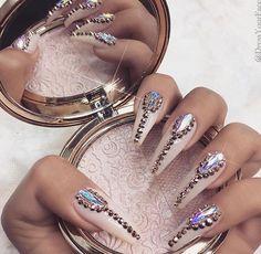 Imagen de nails, makeup, and beauty