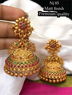 Gold jewelry Simple Stones - Gold jewelry Videos Bridesmaids - Gold jewelry Indian For Men - - Dainty Gold jewelry Videos - Gold Jhumka Earrings, Indian Jewelry Earrings, Jewelry Design Earrings, Gold Earrings Designs, Gold Jewellery Design, Necklace Designs, Jhumka Designs, Antique Earrings, Jumka Earrings