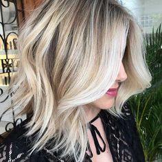 Elegant Blonde Lob Haircut for Thick Hair