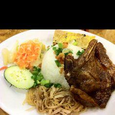 broken rice plate w/ pork chop, egg cake, and pork skin