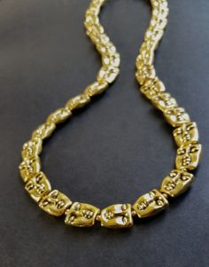 UNISEX NECKLACE : Carved Face Links Yellow Gold Plated