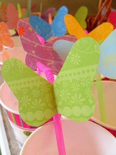 DIY butterfly straws to take your party ip a notch! by: Clever, Crafty, Cookin' Mama: Buterrfly Cutout - Free Template Butterfly Garden Party, Butterfly Birthday Party, Butterfly Baby Shower, Garden Birthday, 3rd Birthday Parties, Diy Butterfly, 2nd Birthday, Birthday Ideas, Babyshower