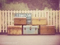 There's something romantic about travelling with vintage luggage. Why not enjoy these photos from our ODE TO VINTAGE LUGGAGE album. Old Trunks, Vintage Trunks, Trunks And Chests, Antique Trunks, Vintage Suitcases, Vintage Luggage, Vintage Travel, Vintage Picnic, Room Photo