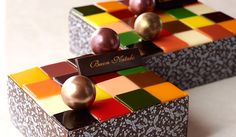 毎年この季節になると楽しみなクリスマスケーキ。OPENERSでは、聖なる夜にふさわしい「味よし、見た目よし」な68個の逸品をセレクト。「チョコレート」「フルーツ」「ブッシュ」の3つのテーマにわけて紹介する。濃厚なチョコレートの次は、とびきり