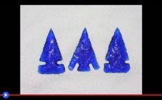 Realizziamo qualche punta con il vetro di ossidiana #caccia #artigianato #frecce #archeologia