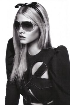 Lara Stone for Givenchy  Unomaglia made in Italy
