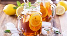 Martha Stewart' Classix Iced Tea 6 bags black tea, 8 wide strips each lemon & orange zest, 8 cups boiling water, ice. Combine all but ice and let steep 8 minutes. Remove tea and let cool to room temp. Serve over ice with lemon and orange slices. Best Iced Tea Maker, Iced Tea Recipes, Weight Loss Tea, Brewing Tea, Sweet Tea, How To Slim Down, Stevia, Food And Drink, Yummy Food