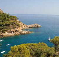 Zomer; zond, strand en zee, maar ook veel actie, cultuur en afwisseling dat alles biedt Spanje    Ook onder de kampeerders behoort Spanje tot één van de meest geliefde vakantiebestemmingen. Spanje heeft een groot aantal campings, met name aan de kust, waaronder de Costa Brava. Overal wordt u zeer gastvriendelijk behandeld en vanuit culinair oogpunt is Spanje één van de beste vakantiebestemmingen. Strand, bergen, steden, cultuurvakantie, zwemmen, wandelen, fietsen Spanje laat niets te wensen…