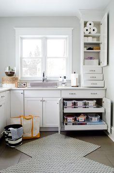 Curbly - laundry/mud rooms - Sherwin Williams - Aloof Gray - laundry room, caesarstone frosty carrina