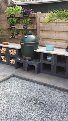 Outdoor kitchen of your element with scaffolding wood - Furnishing .- Outdoor kitchen of your element with scaffolding wood Outdoor Furniture Sets, Outdoor Decor, Outdoor Kitchen Design, Garden Design, Outdoor Kitchen, Diy Outdoor, Scaffolding Wood, Outdoor Cooking, Diy Outdoor Kitchen