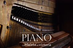Restauración de Mobiliario y Antigüedades. Pianos antiguos en perfecto estado y afinados, listos para tocarse.