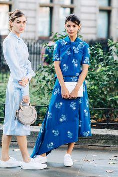 Street style at London Spring/Summer 2019 Fashion Week New York Street Style, Look Street Style, Street Looks, Spring Street Style, London Fashion Weeks, Fashion Week Paris, Tokyo Fashion, Style Fashion, India Fashion