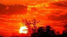 Red Sky at Night--Or Why is the Sky Blue? Ever wonder why the sky is blue in the daytime but often red at sunset (or black on the Moon)? Try this simple activity to see for yourself  to see how light changes color when it interacts with the atmosphere.