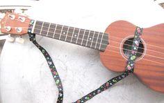 It's a RAD world: ♥How to make a uke strap!