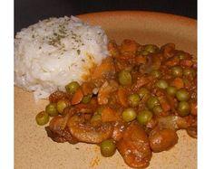 Zöldborsós gombapörkölt Vegan Recipes, Rice, Chicken, Food, Diet, Essen, Yemek, Buffalo Chicken, Vegan Dinner Recipes