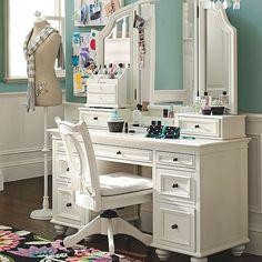 Stunning Bedroom Vanity Ideas (4)
