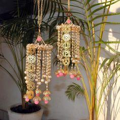Diy Diwali Decorations, Backdrop Decorations, Festival Decorations, Wedding Decorations, Diwali Diy, Diwali Craft, Bride Entry, Ganpati Decoration At Home, Bridal Portrait Poses