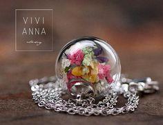 Glaskugel-Kette in Silber mit echte Blumen k301 von VIVIANNA auf DaWanda.com
