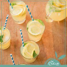 Um copo médio de limonada (sem açúcar) tem, em média, apenas 10 calorias!  Acrescente raspas de gengibre, hortelã e gelo e tenha uma bebida leve, deliciosa, cheia de vitaminas e com ação termogênica!  CLIQUE NA IMAGEM E CONFIRA MAIS RECEITAS!