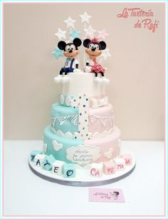 ⭐ Mickey twins ⭐ - cake by Rafaela Carrasco (La Tartería de Rafi) Theme Mickey, Minnie Mouse Theme Party, Mickey Mouse Baby Shower, Minnie Baby, Disney Cars Cake, Disney Cakes, Torta Baby Shower, Baby Reveal Cakes, Twin Birthday Cakes