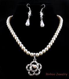 Cheap pearl bracelet set, Buy Quality pearl necklace and earring set directly from China pearl engagement ring sets Suppliers: Charm Gift Imitation Pearl Wedding Jewelry Set Clear Crystal Classic White Pearl Wedding Jewelry Sets, Engagement Jewelry, Pearl Set, Pearl White, Pearl Bracelet, Bracelet Set, China Jewelry, Clear Crystal, Earring Set