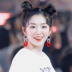 ❀禮 ᵎ Red Velvet - Irene ; Seulgi, South Korean Girls, Korean Girl Groups, My Girl, Cool Girl, Dance Like This, Bae, Baby Icon, Rapper