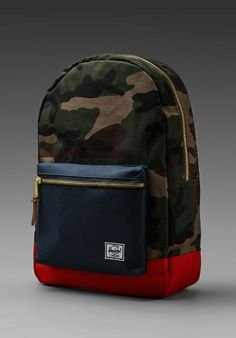 HERSCHEL SUPPLY CO. Settlement Backpack in Woodland Camo/Navy/Red - New