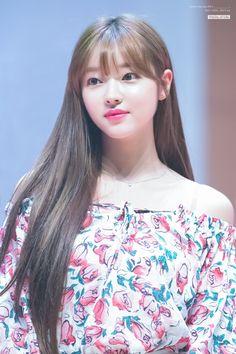 Yooa oh my girl South Korean Girls, Korean Girl Groups, Oh My Girl Yooa, New Dj, Ailee, Korean Star, How To Show Love, Vixx, Girl Photos