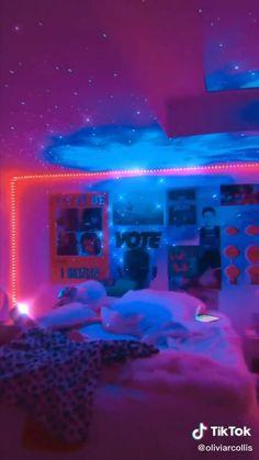 Teen Bedroom Designs, Room Ideas Bedroom, Girls Bedroom, Chambre Indie, Neon Room, Cute Room Ideas, Indie Room, Dream Rooms, Dream Bedroom