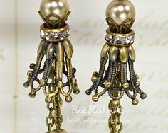 ButterBeeScraps - Beautiful Dangle Earrings - Bronze and Champagne Pearls