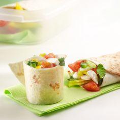 Groentewrap met geitenkaas #prei #paprika #komkommer #tomaat #chilisaus #koriander