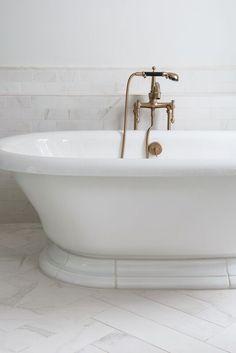 Gorgeous tub and gorgeous fixtures