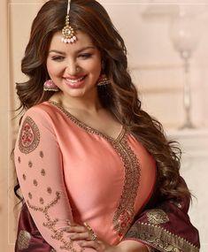 Wholesale Salwar Kameez Online - Salwar Kameez Wholesalers In Surat Beautiful Blonde Girl, Beautiful Girl Indian, Most Beautiful Indian Actress, Beautiful Girl Image, Gorgeous Women, Stylish Girl Images, Stylish Girl Pic, Beauty Full Girl, Beauty Women