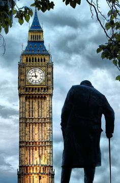 Churchill statue with Big Ben