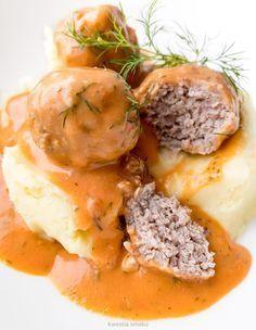 Pulpeciki w sosie koperkowo-pomidorowym Meatballs with dill and tomato sauce Polish Recipes, Meat Recipes, Cooking Recipes, Polish Food, I Love Food, Good Food, Yummy Food, Food L, Fast Dinners
