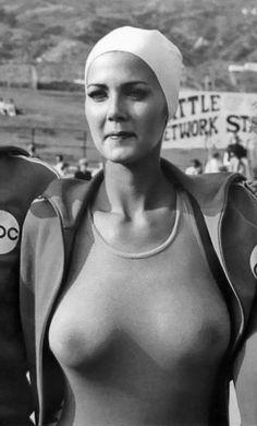 Lynda Carter aka Wonder Woman in Battle of the Network Stars. Lynda Carter, Wonder Woman, Divas, Beautiful Celebrities, Beautiful Women, Look At You, Famous Faces, Vintage Beauty, Sensual