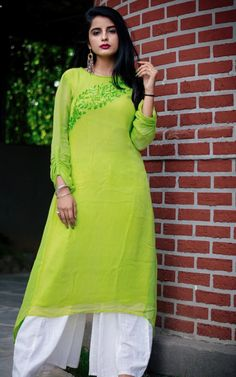 Beautifully embroidered Designer Sharara and Gharara Sets in latest designs and colors Embroidery On Kurtis, Kurti Embroidery Design, Hand Embroidery, Kurti Designs Party Wear, Fashion Outfits, Fashion Tips, Women's Fashion, Designer Dresses, Sequins
