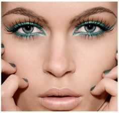 How to Wear Bright Makeup